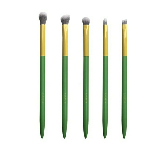 Lavish eye brush set